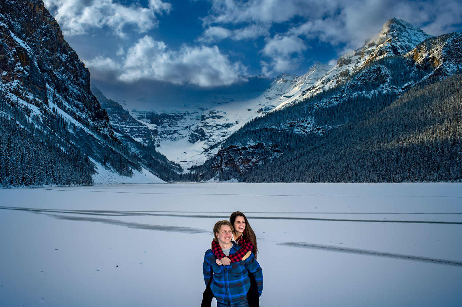 Couple shoot in Canadian rockies