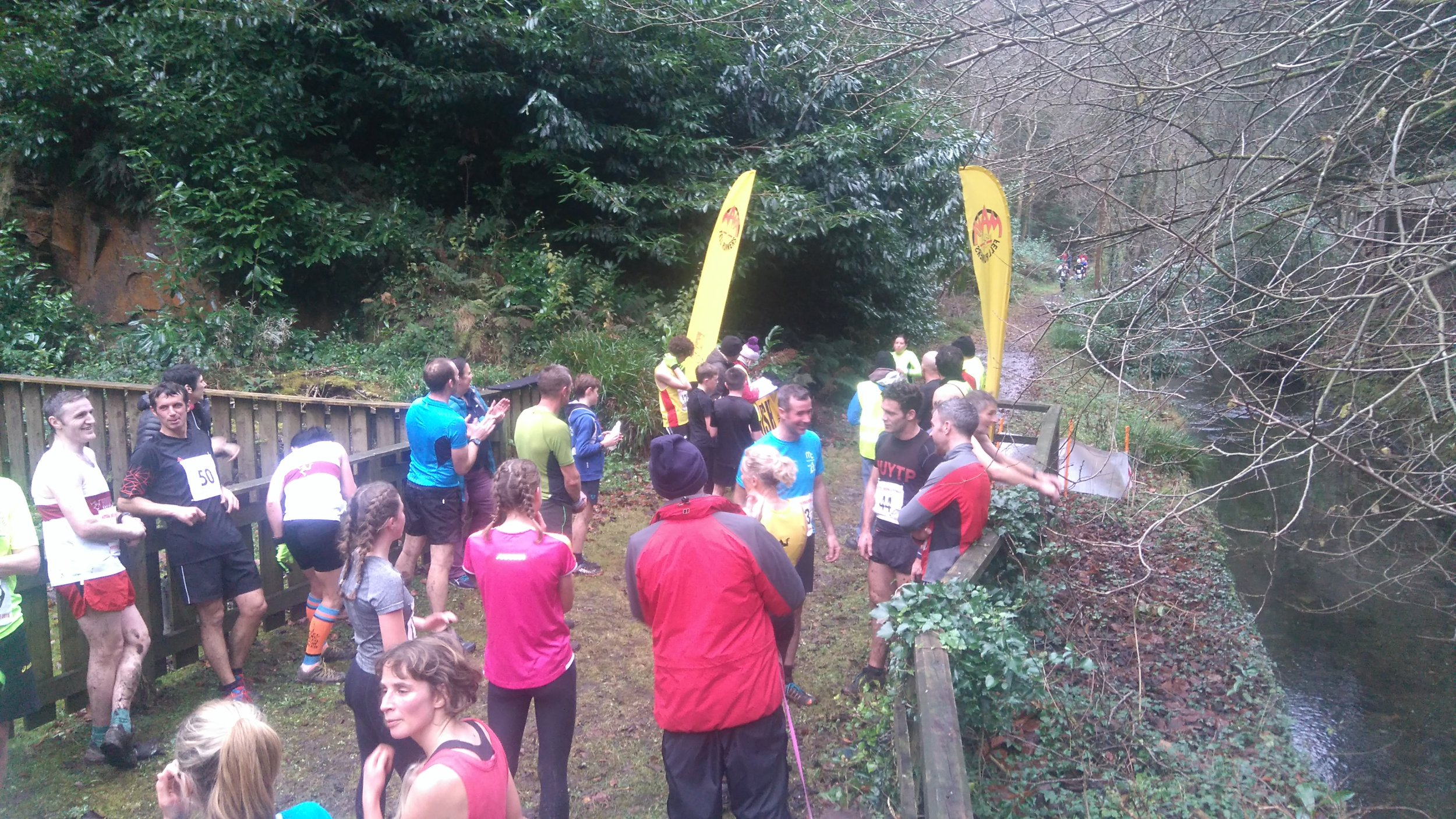 164 runners completed at least one race in the series