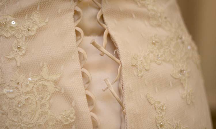 broken corset back2.jpg