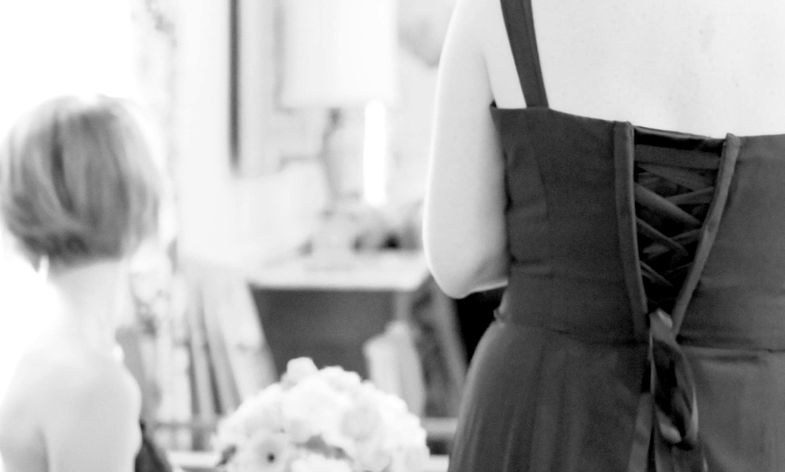 Our rapid corset back allowed sister to confidently enjoy the wedding day!
