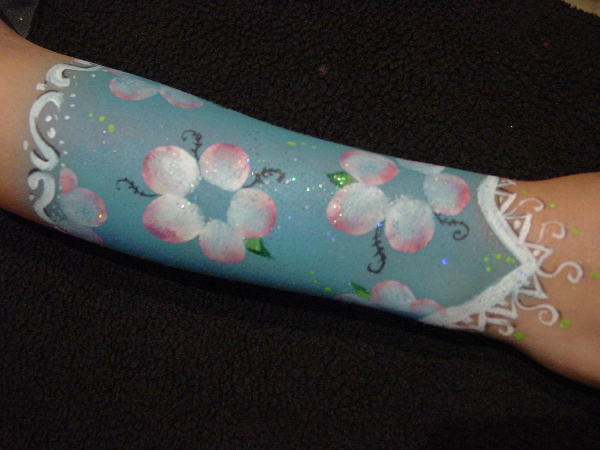 flower gauntlet.JPG