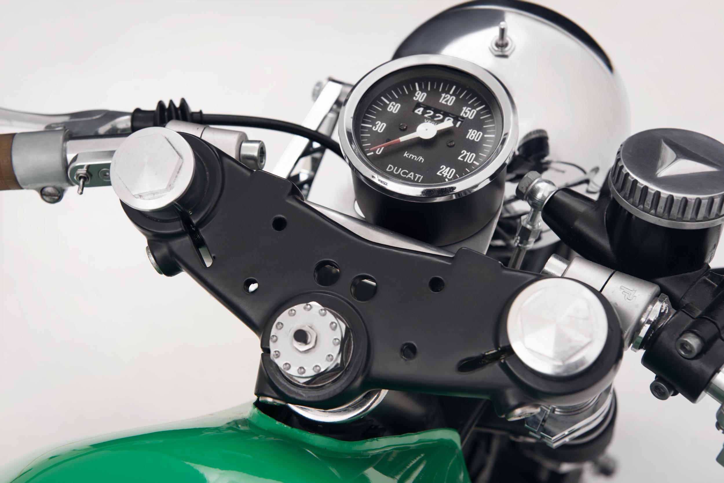 654Motors_Ducati_860_GTS_76_LowRes_06.jpg