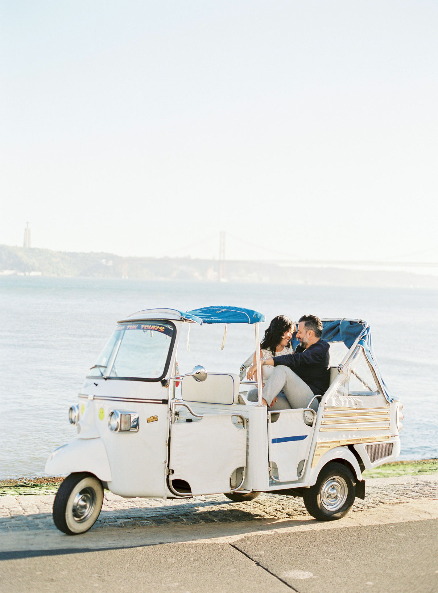 Wedding photographer in Lisbon _ Fotógrafo de casamento _ Elopement in Lisbon