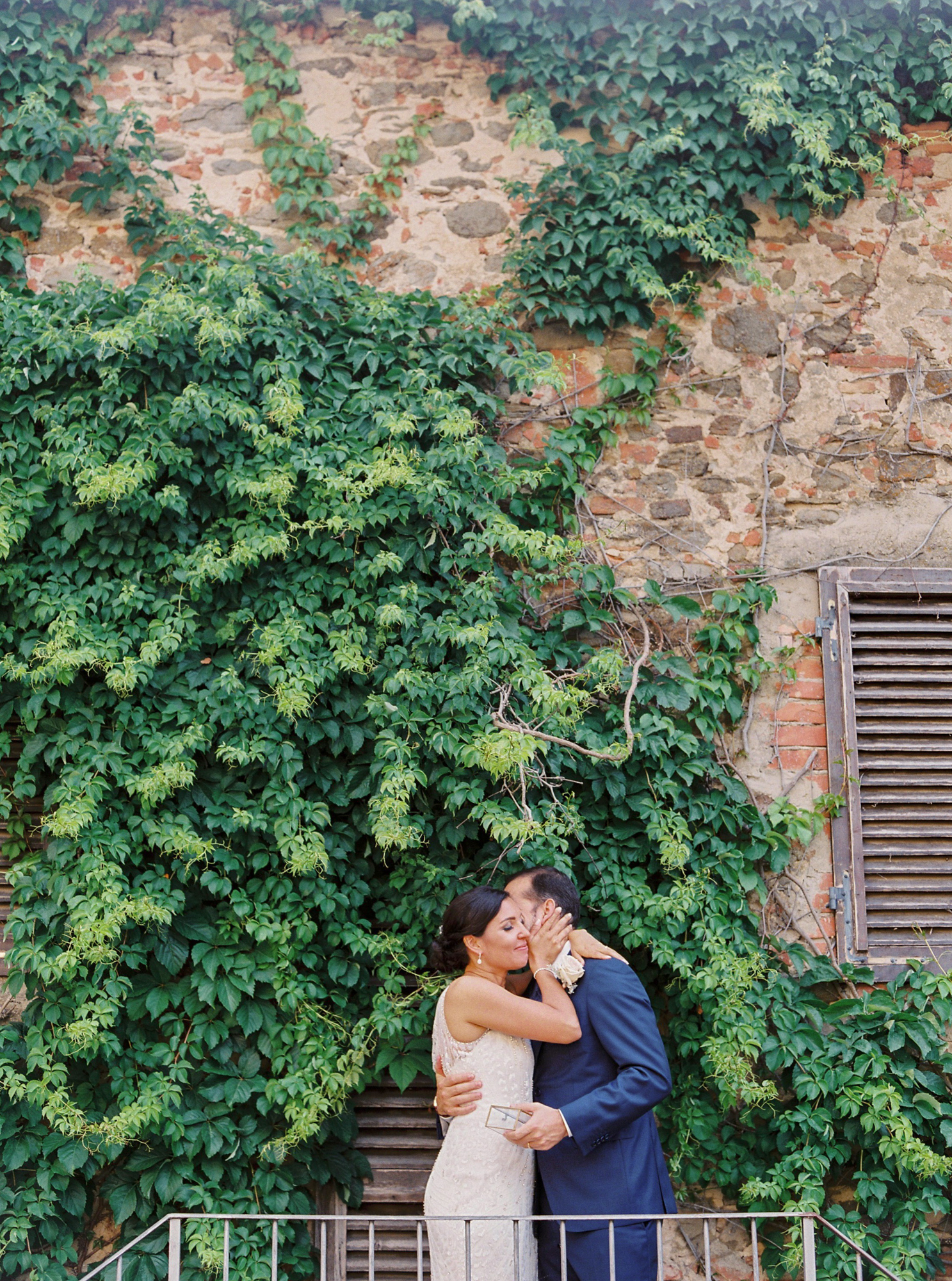 Destination wedding photographer _ fotografo de casamento _ elopement _ wedding photographer _ europe wedding _ love is my favorite color 07.jpg