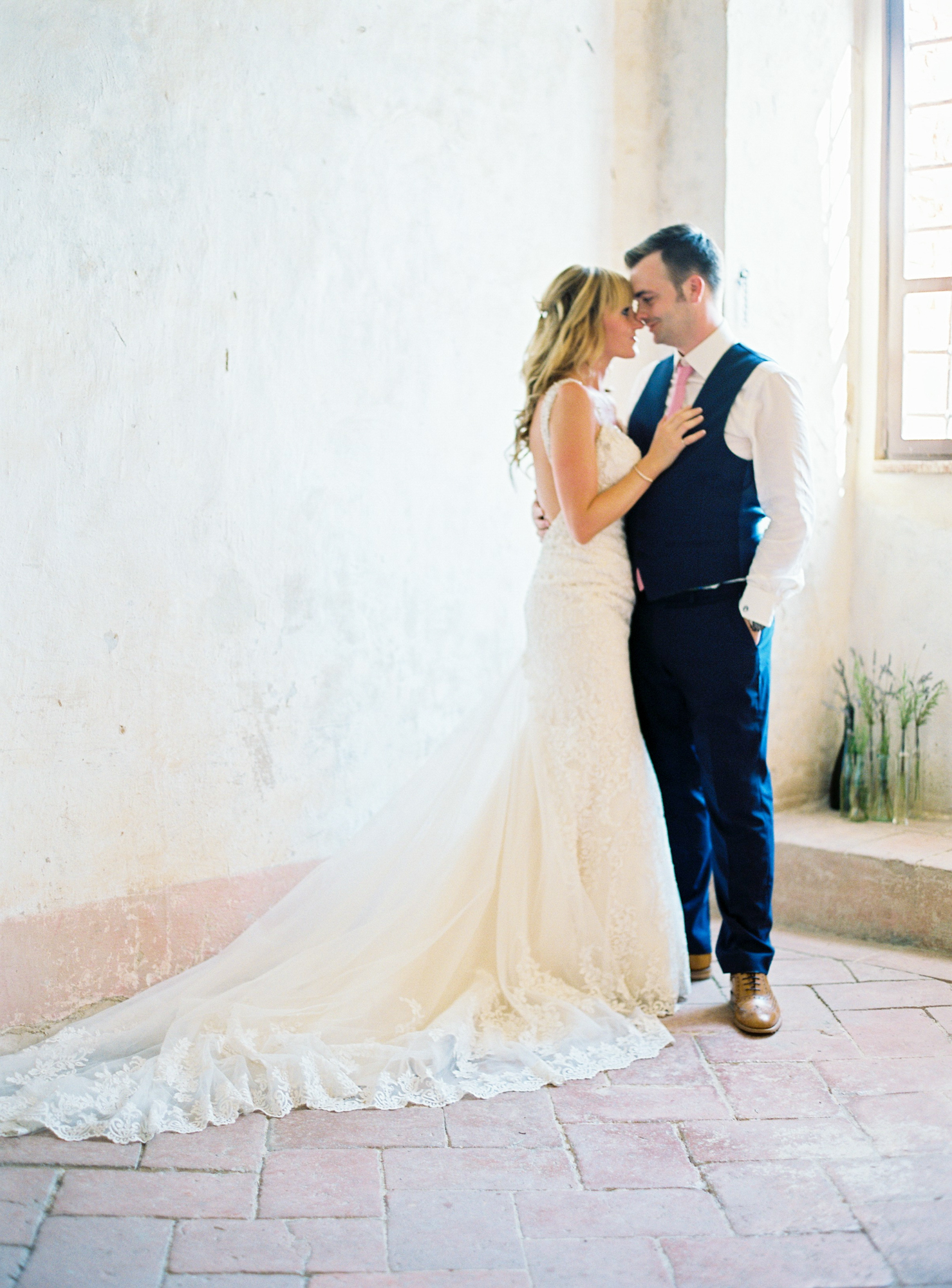 Destination wedding photographer _ fotografo de casamento _ elopement _ wedding photographer _ europe wedding _ love is my favorite color_ elopement in portugal _L&R 2801.jpg