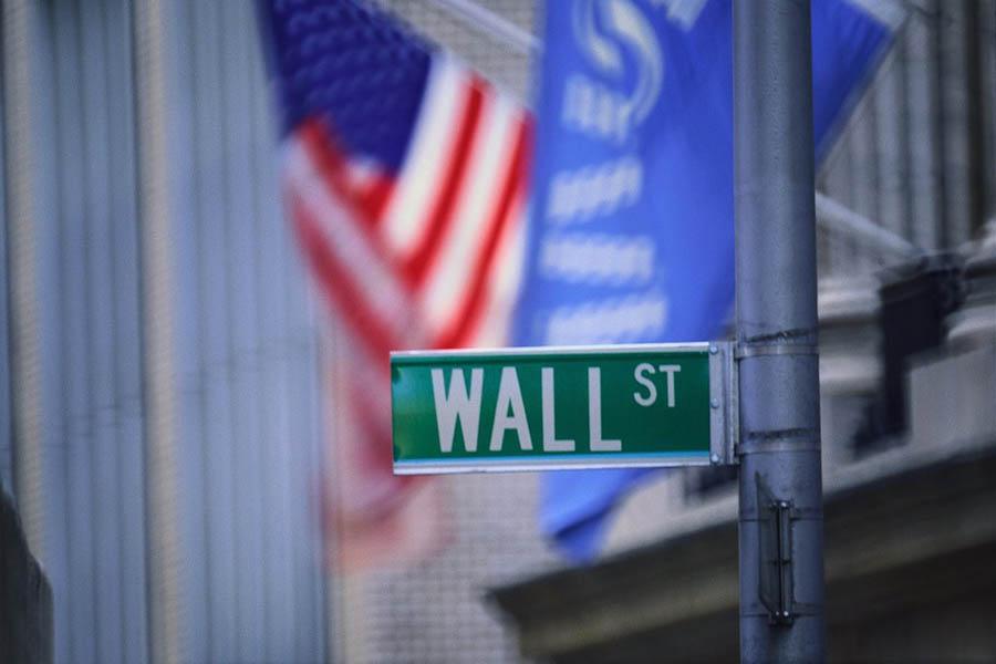 photo credit  www.investmentbankeronlife.com