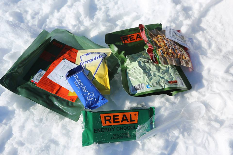 Each of packet of DryTech food contains a grab bag of snacks, a spoon and a hand sanitizing wipe, in addition to the freeze-dried main course marked on the front. (Photo by Jun-Hee Cho. All rights reserved.)