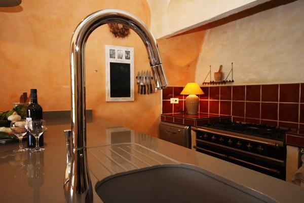 kitchen-faucet.jpg