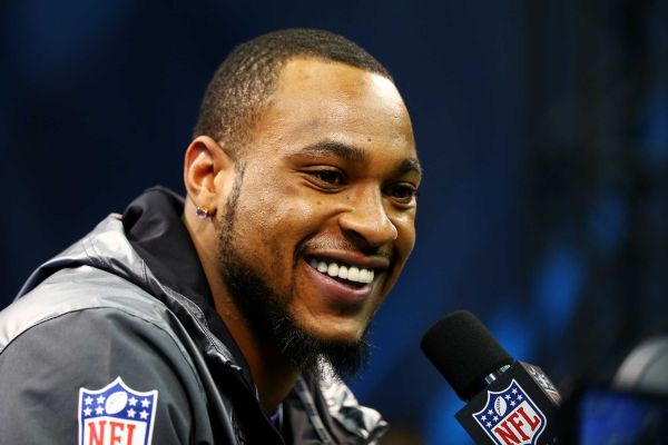 Percy Harvin and his hot smile.jpg