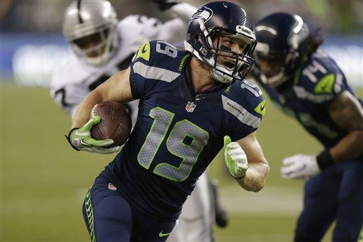 Bryan Walters running with the ball.jpg