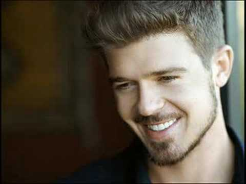 Robin Thicke omg what a smile.jpg
