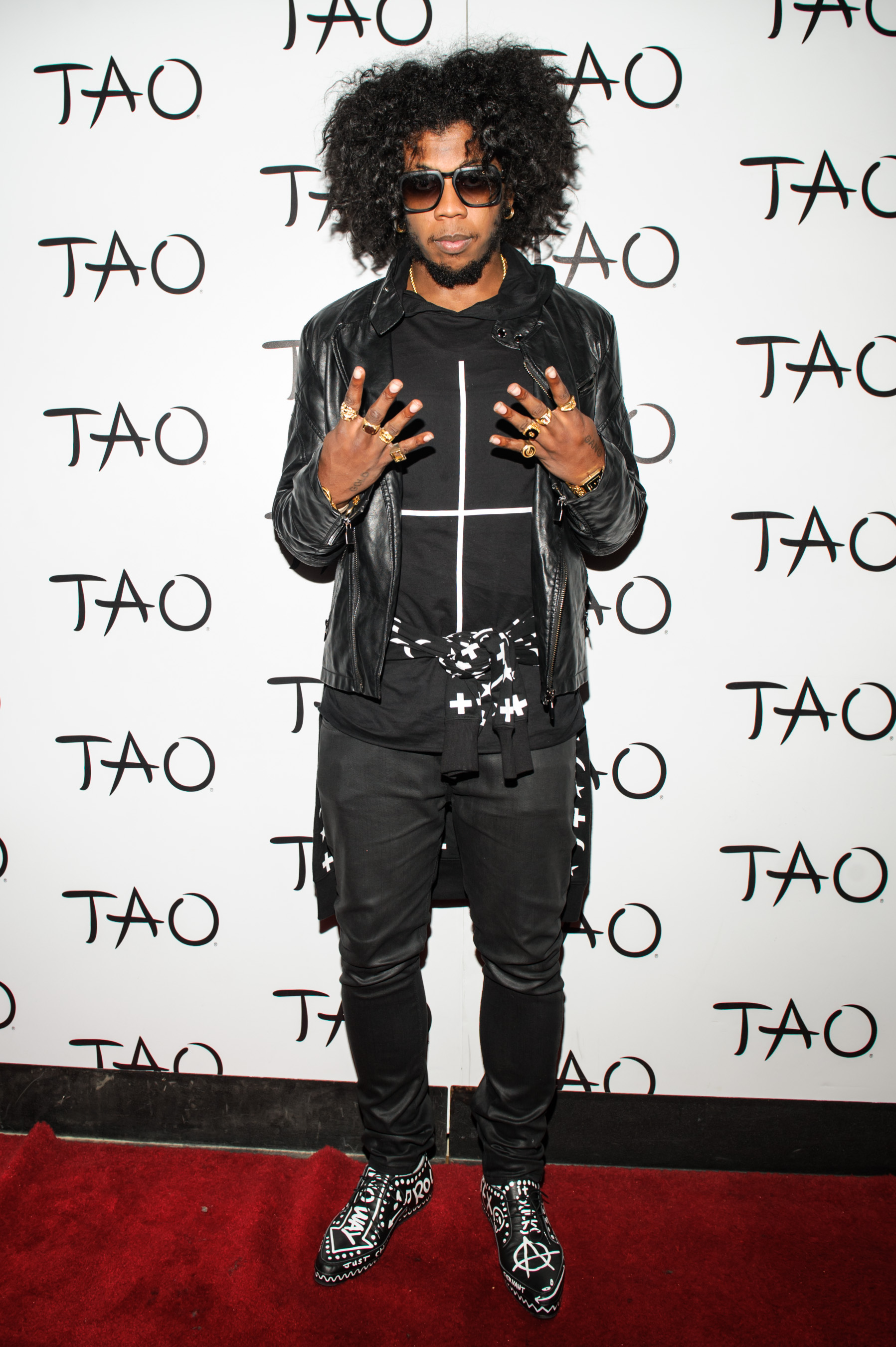 Trinidad James on the red carpet without a hat on.jpg