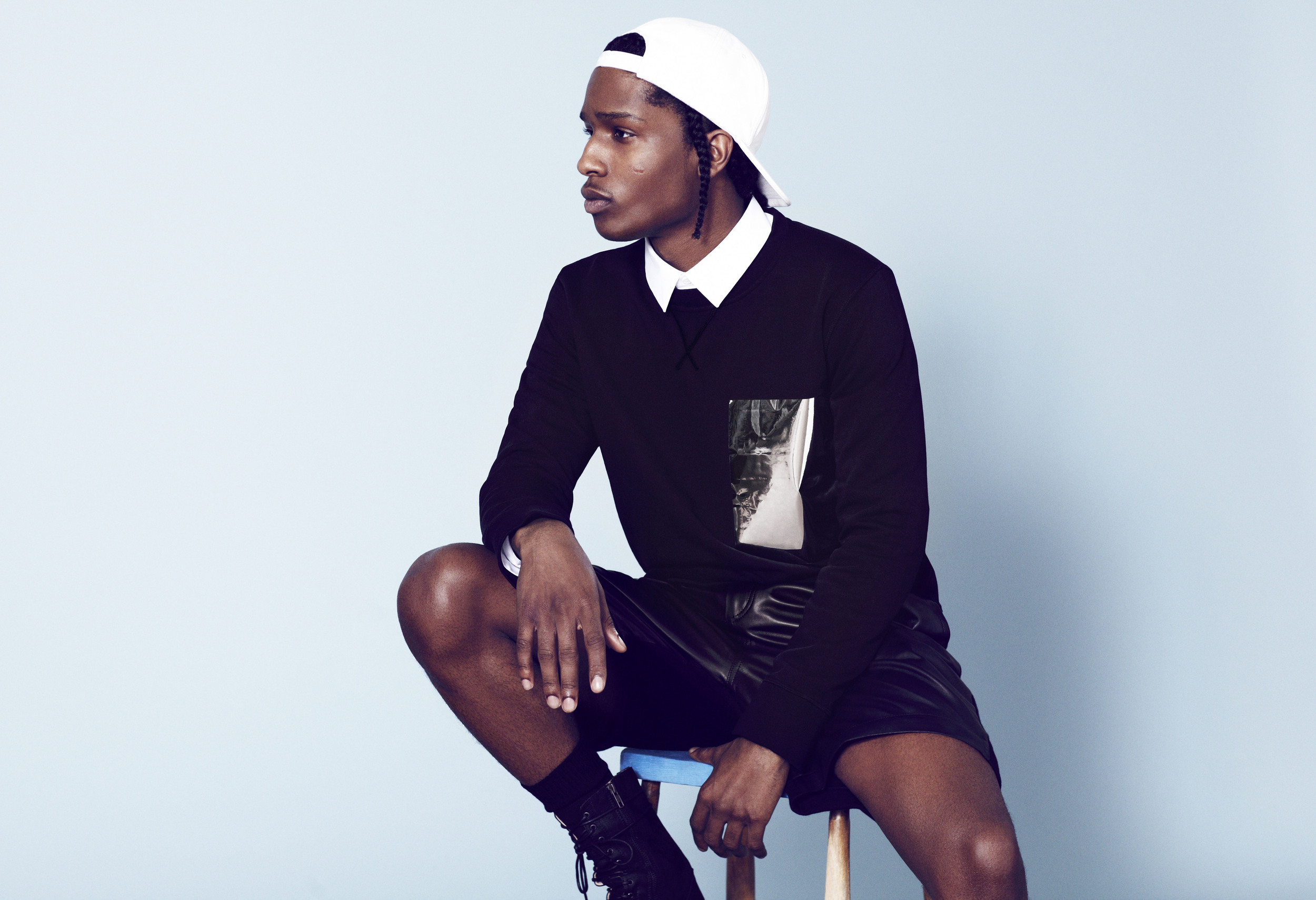 A$AP Rocky sitting pretty and looking hot with his gorgeous legs.jpg