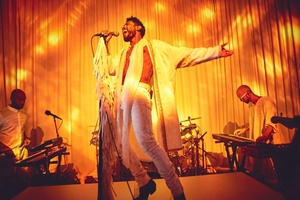 Miguel looking hot and gorgeous as usual while on stage at the WILDHEARTEXPERIENCE.jpg