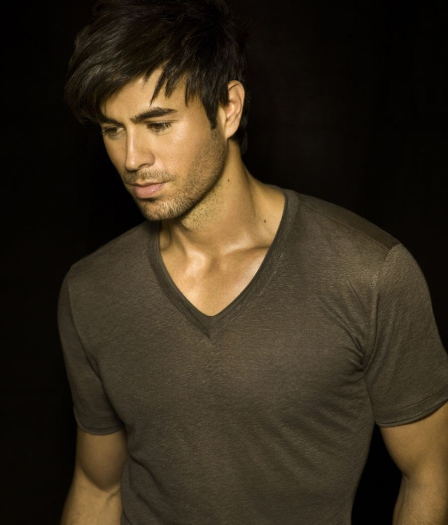 Enrique Iglesias looking gorgeous in a very sheer v neck tee.jpg