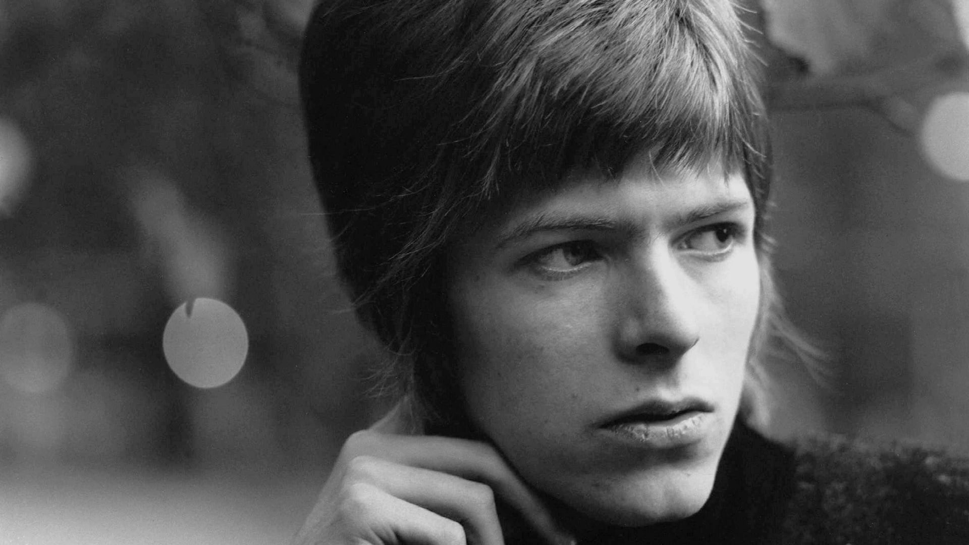 David Bowie looking hot very young.jpg