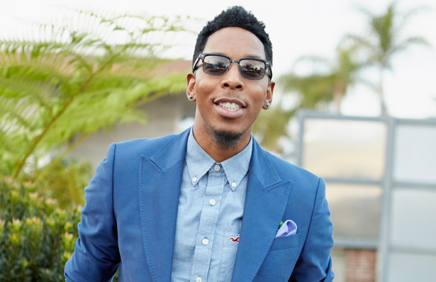 Deitrick Haddon looking hot af in a blue suit.jpg