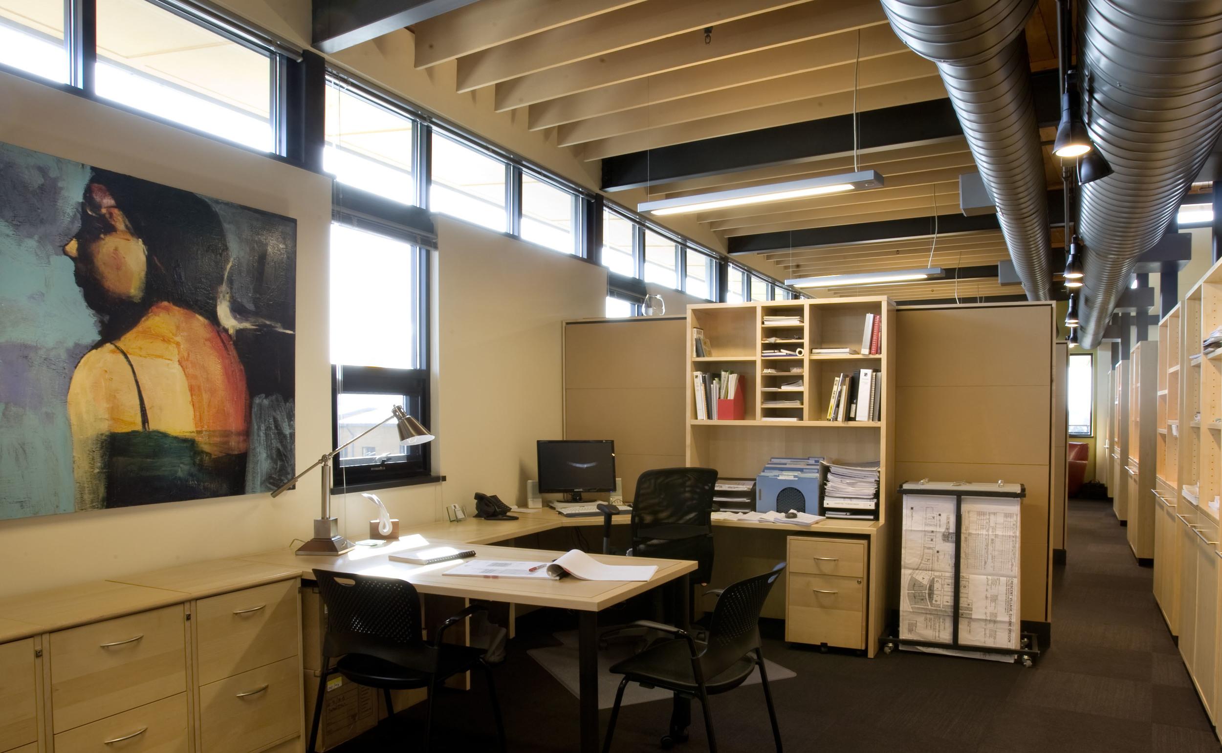 609-5_14_Arlie_Offices_office.jpg