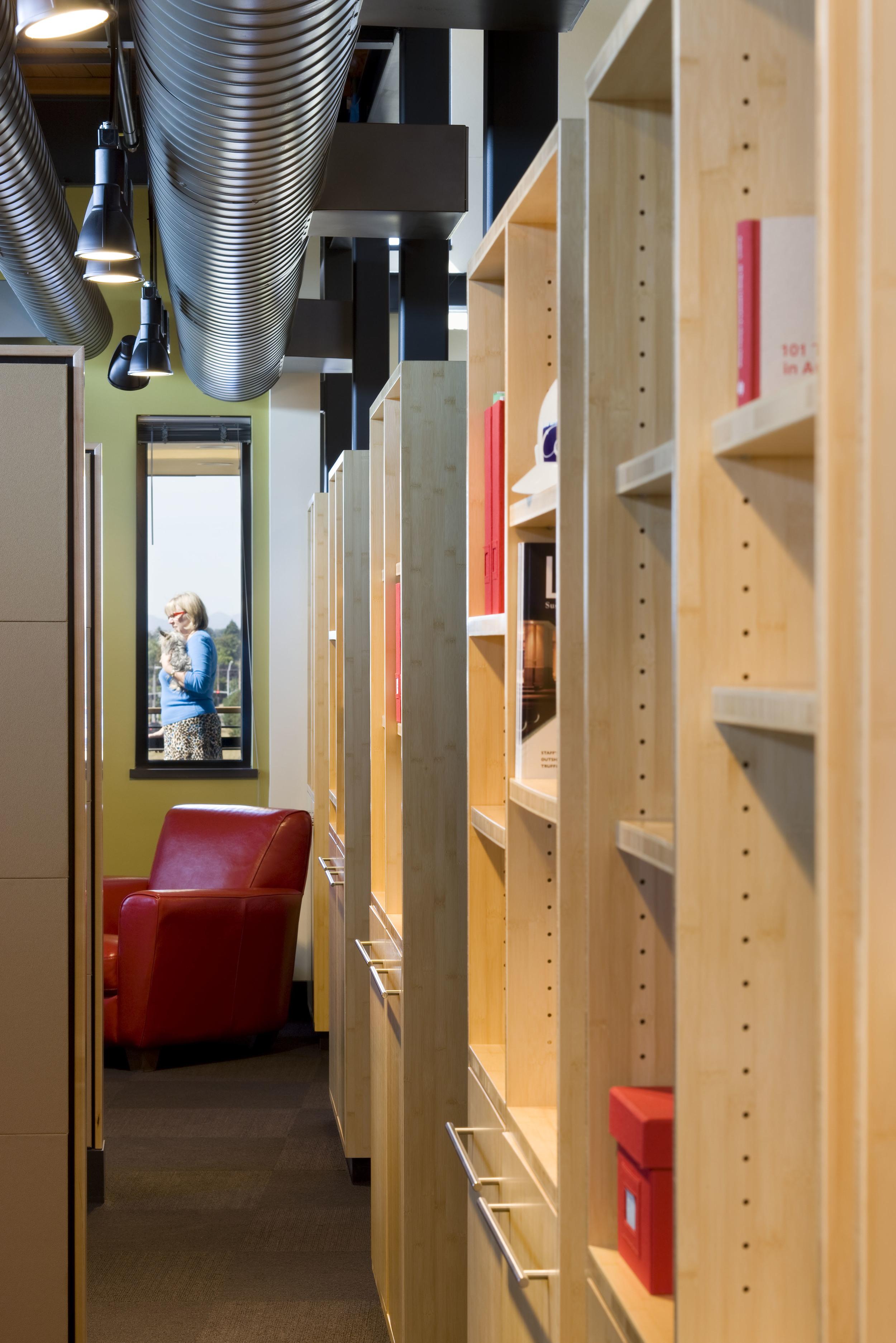 609-5_22_Arlie_Offices_shelves.jpg