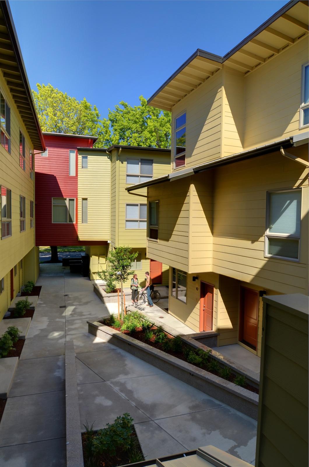 1015_26_OTown_Courtyard4.jpg