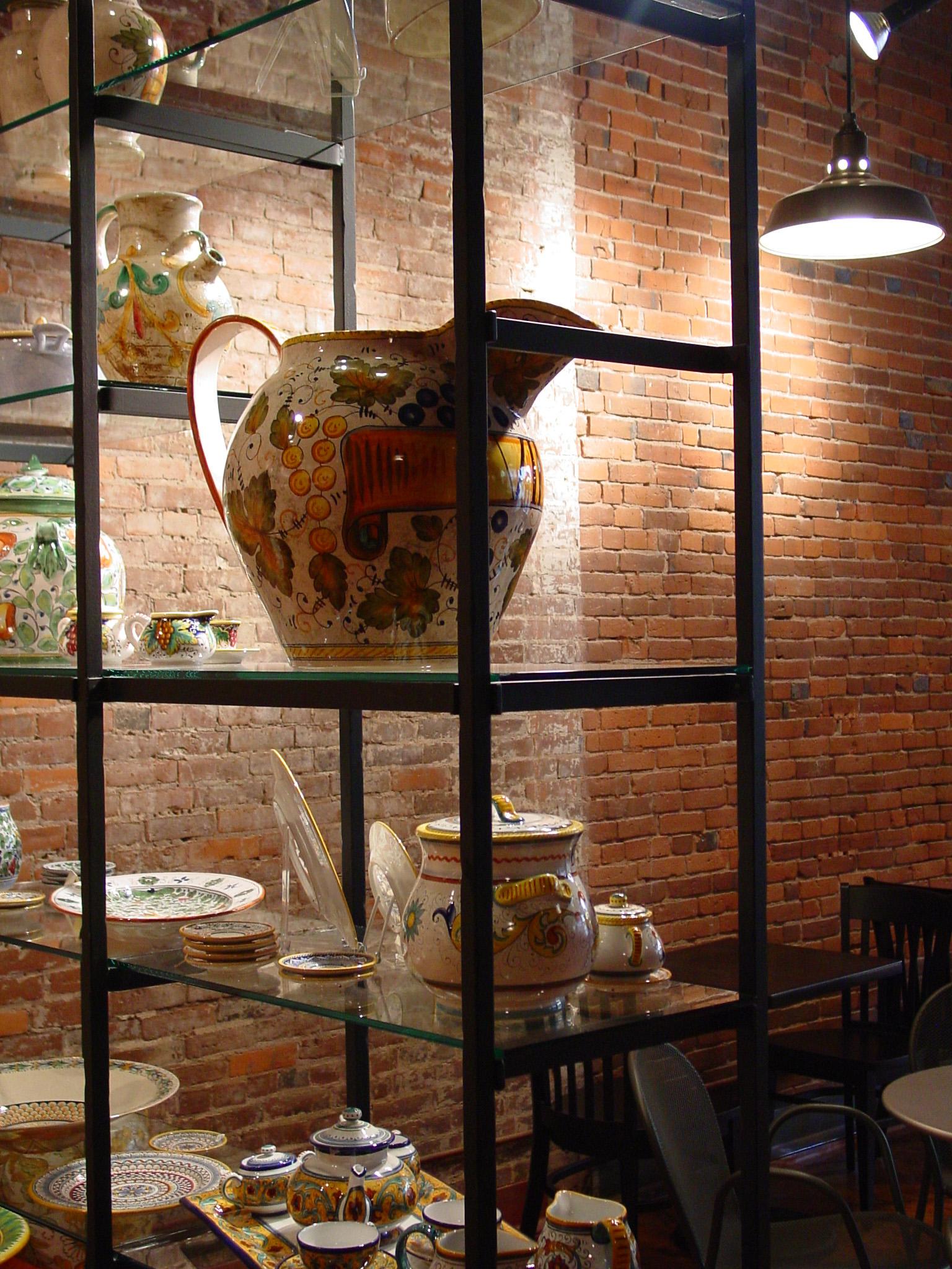 127_05_Perugino_vase.jpg
