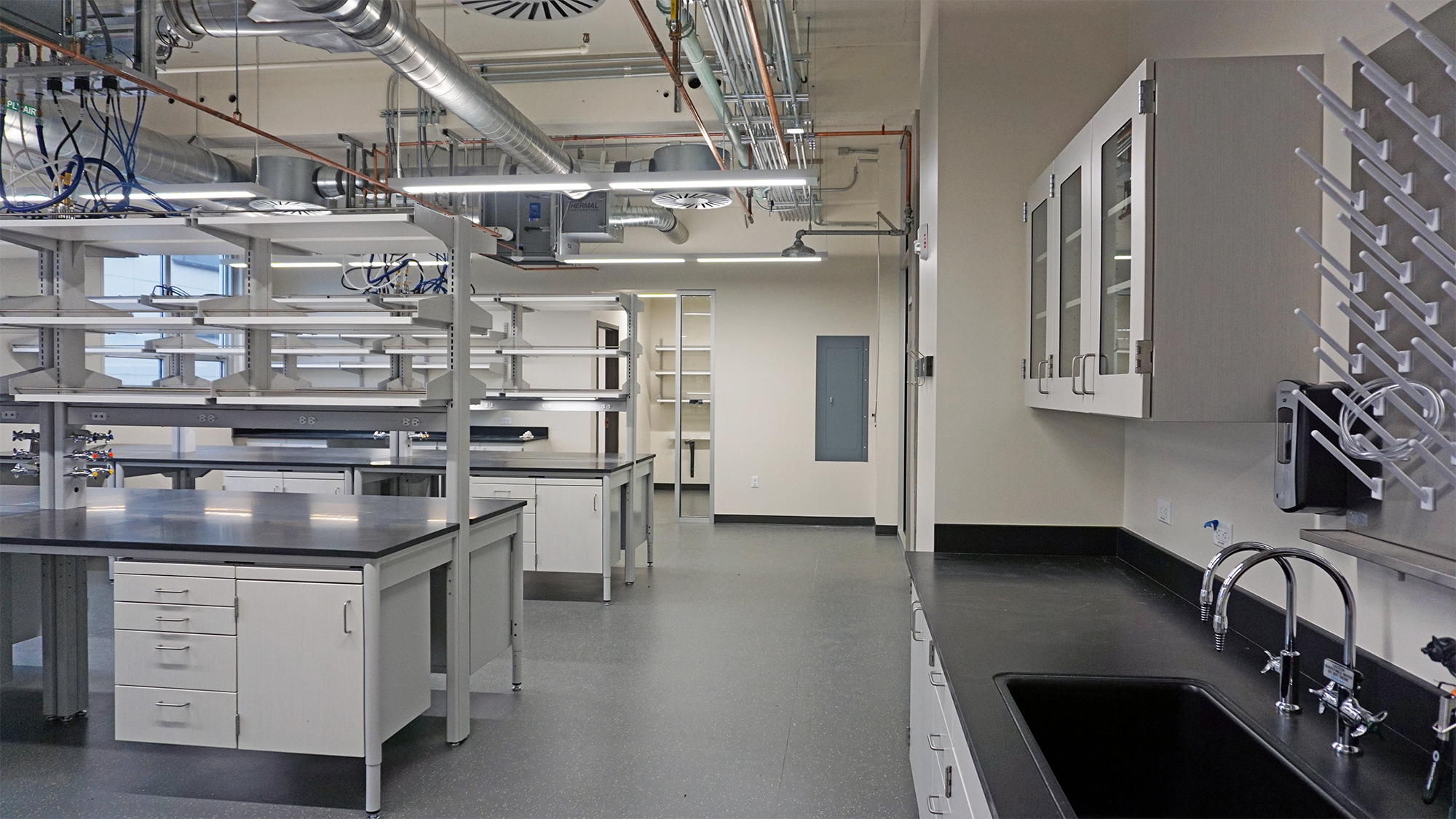 University of Oregon Pacific Hall Research Labs