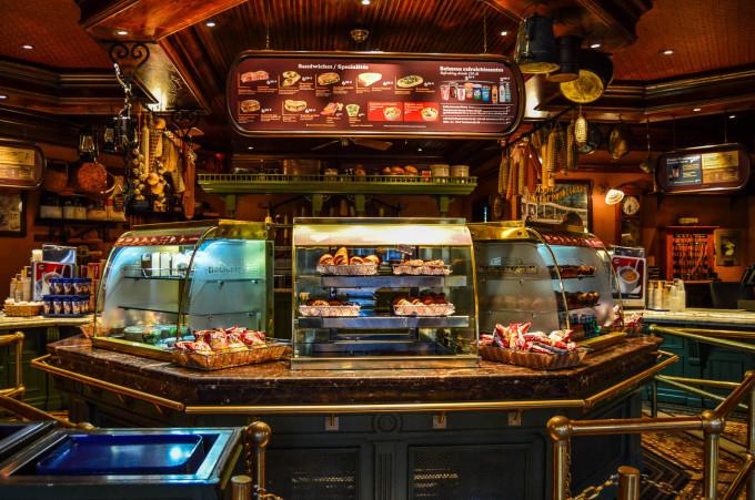 disneyland_paris_market_house_food_counter-680x451.jpg