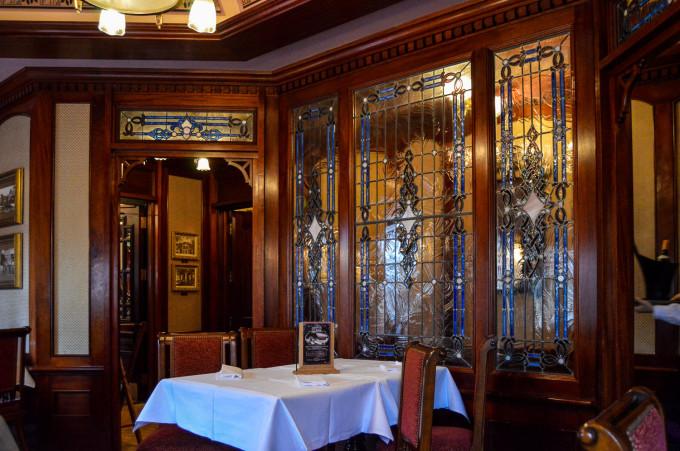 disneyland_paris_walts_restaurant_disneyland_hotel_room-680x451.jpg