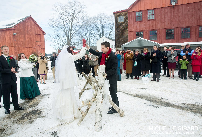 WinterWedding_SalemCrossInn_MichelleGirardPhotography16.jpg