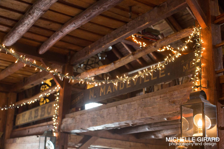 WinterWedding_SalemCrossInn_MichelleGirardPhotography37.jpg