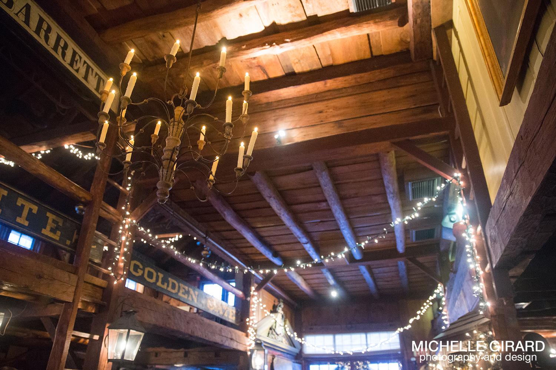 WinterWedding_SalemCrossInn_MichelleGirardPhotography44.jpg
