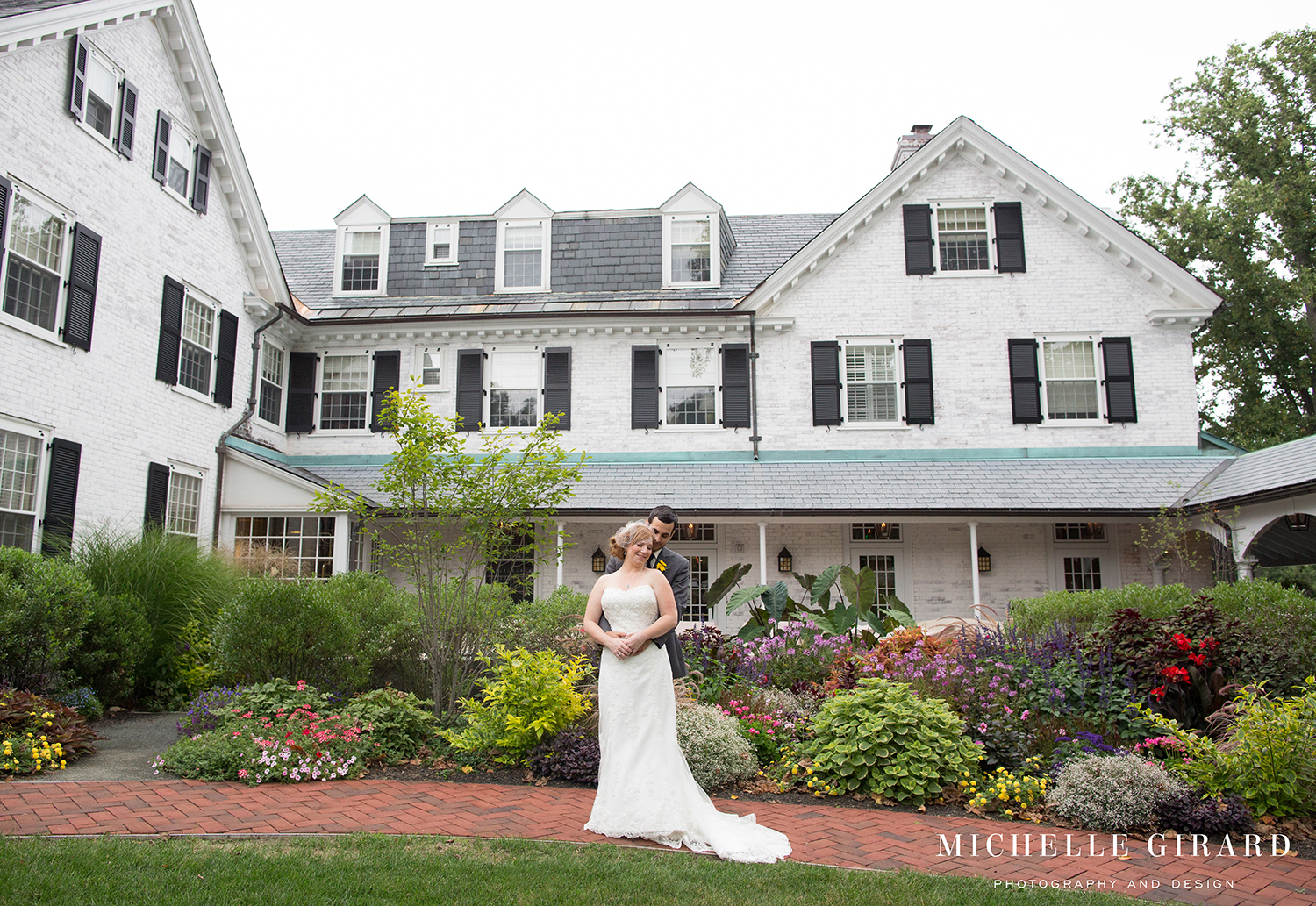 SeptemberWedding_TheLordJefferyInn_AmherstMa_MichelleGirardPhotography02.jpg