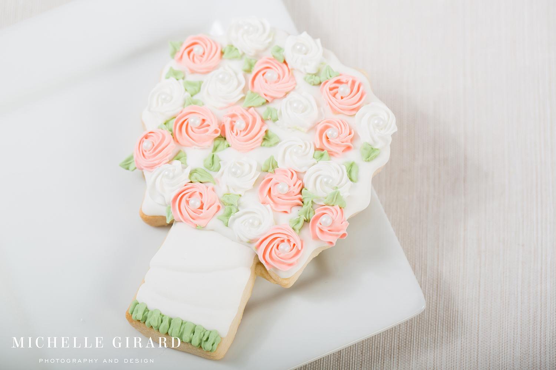WeddingSugarCookies_NinasCookies_FeedingHillaMA_MichelleGirardPhotography21.jpg