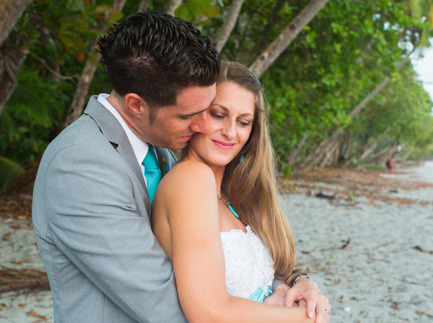 CostaRica_BeachWedding_MichelleGirardPhotography10.jpg