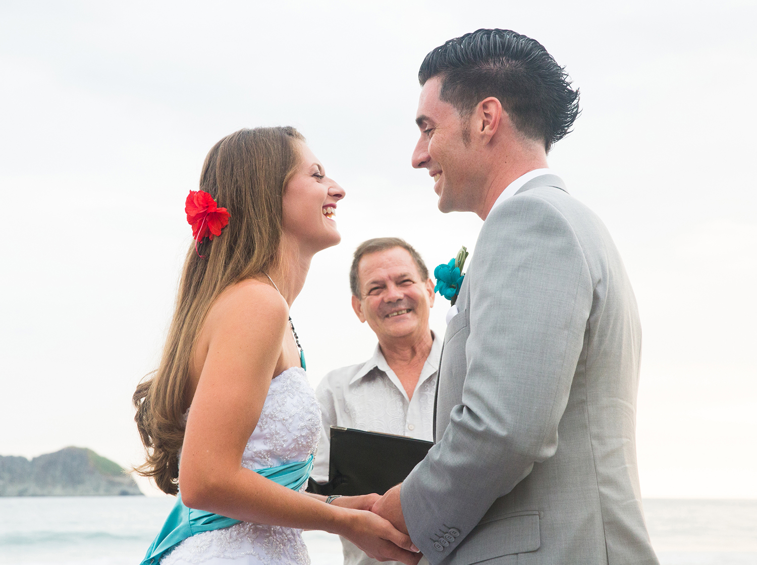 CostaRica_BeachWedding_MichelleGirardPhotography15.jpg