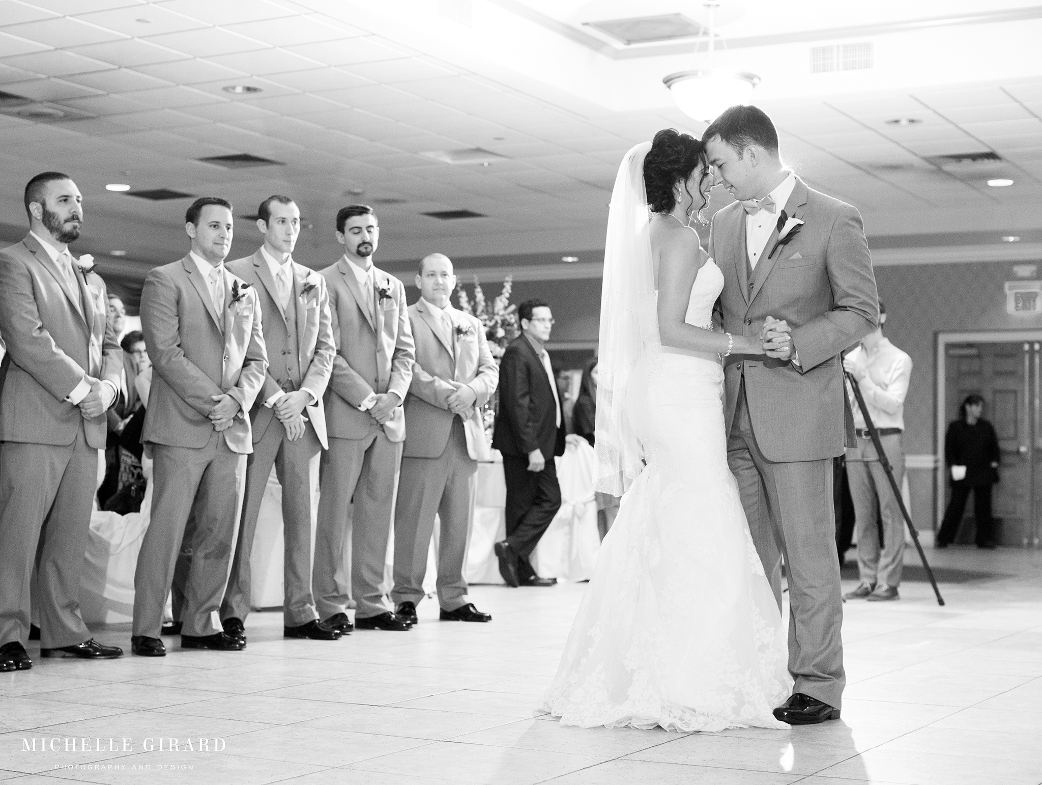 TraditionalLudlowMAWedding_MichelleGirardPhotography04.jpg