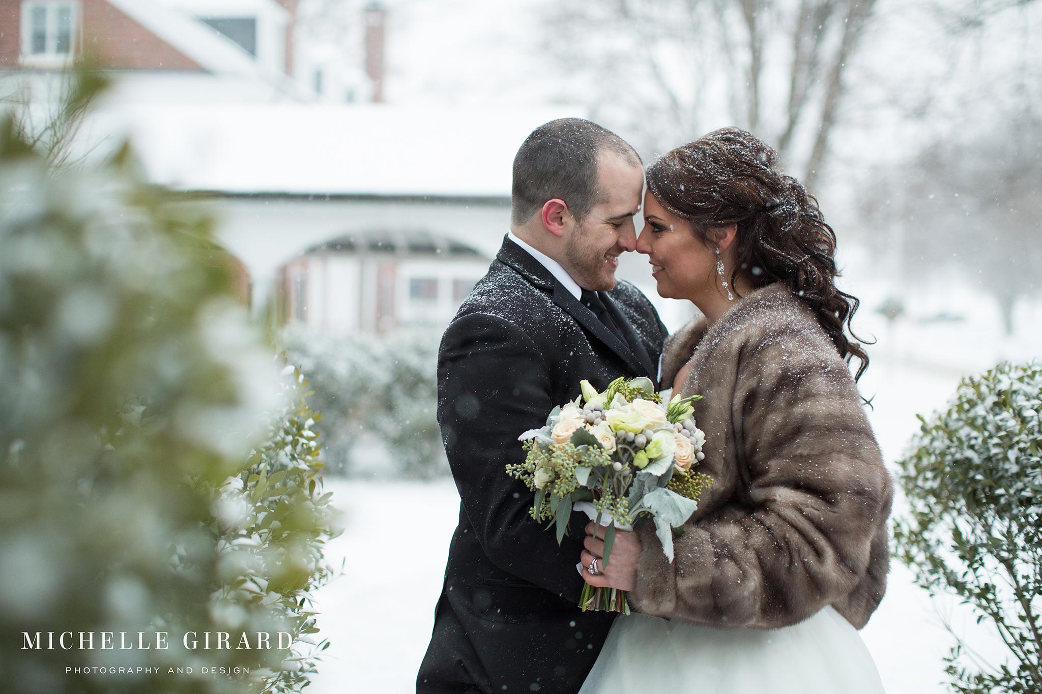 WinterWedding_LordJefferyInn_AmherstMA_MichelleGirardPhotography08.jpg
