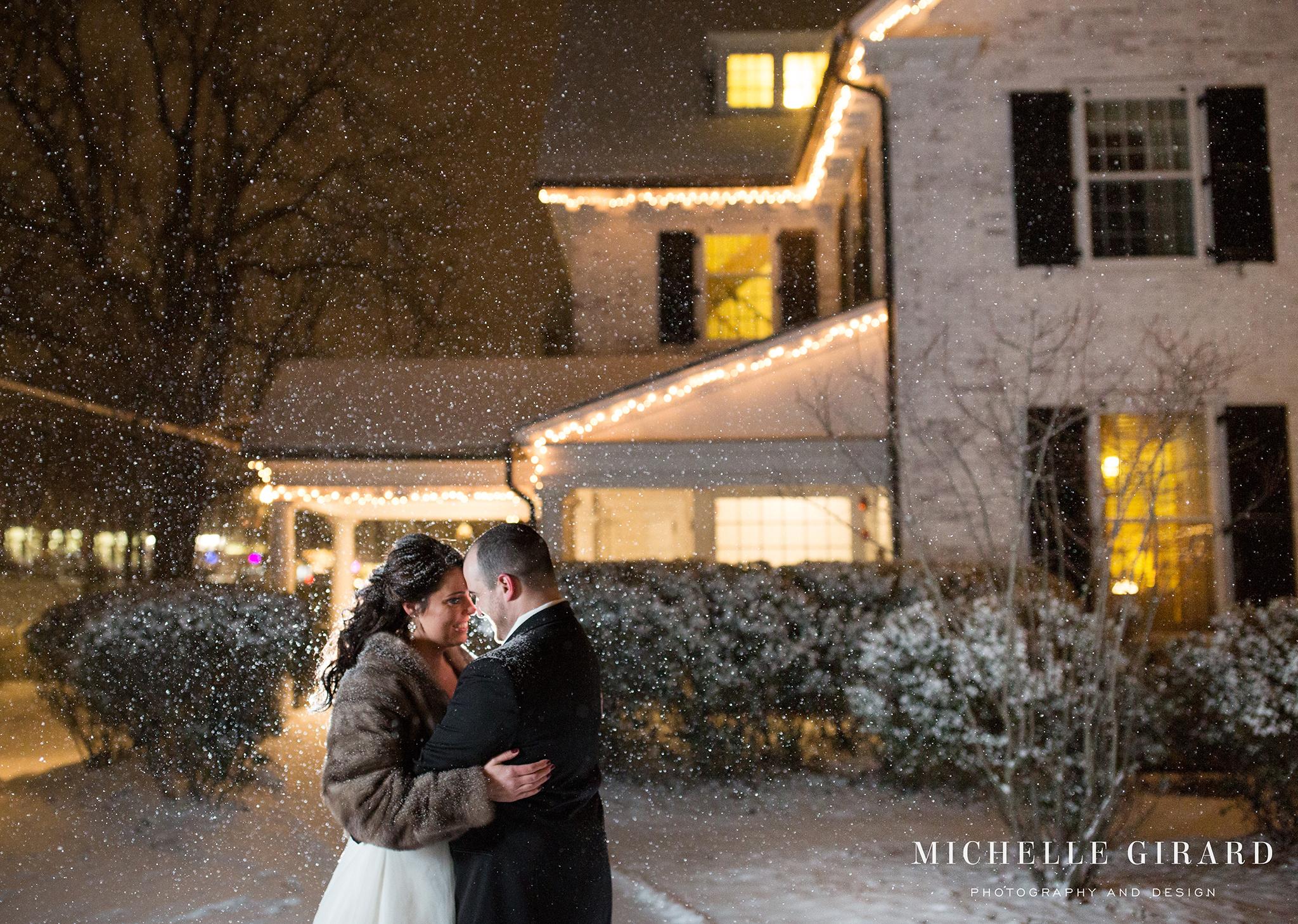 WinterWedding_LordJefferyInn_AmherstMA_MichelleGirardPhotography12.jpg