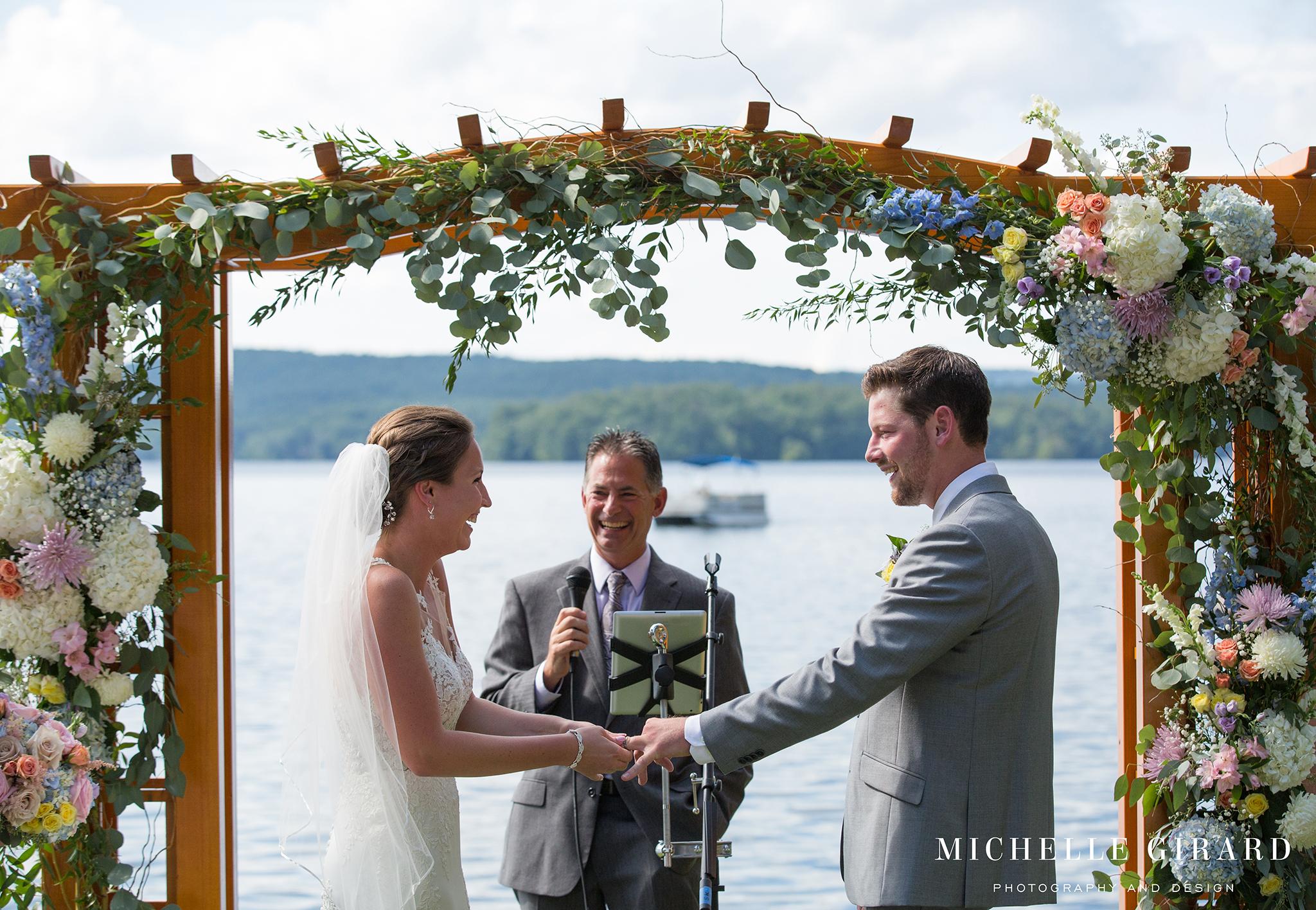 LakeWinnipesaukeeWedding_MeredithNH_LakesideTentWedding_MichelleGirardPhotography3.jpg