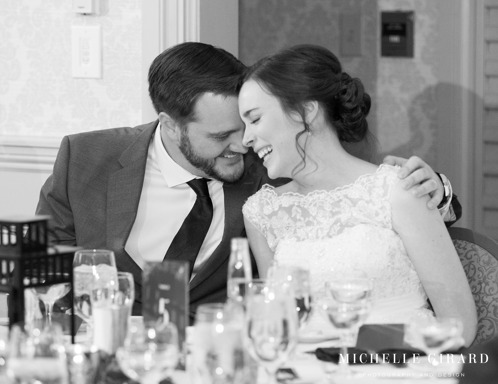 WinterWedding_AmherstMA_LordJefferyInn_MichelleGirardPhotography02.jpg