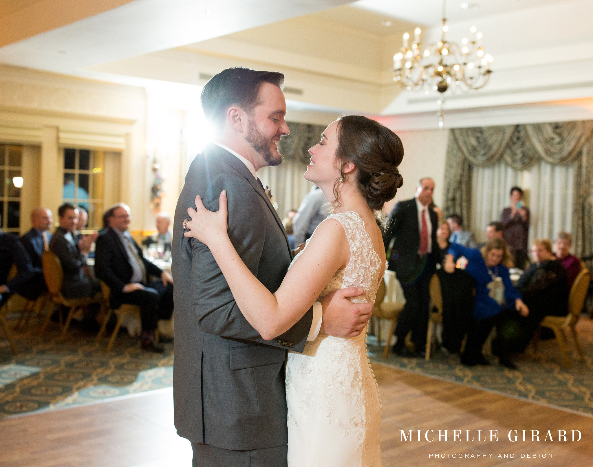 WinterWedding_AmherstMA_LordJefferyInn_MichelleGirardPhotography05.jpg