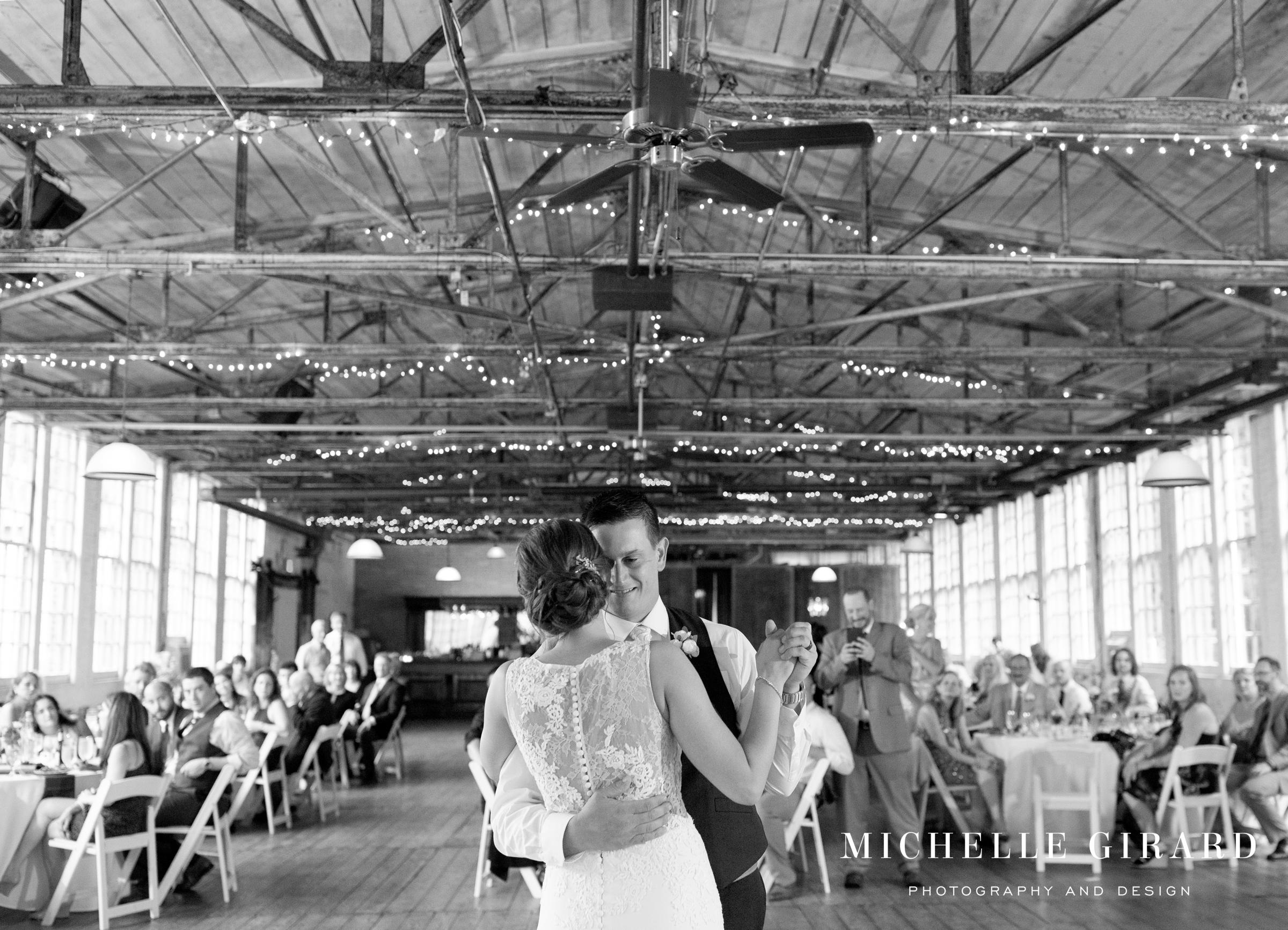 LaceFactoryIndustrialWedding_EastHaddamCT_MichelleGirardPhotography6.jpg