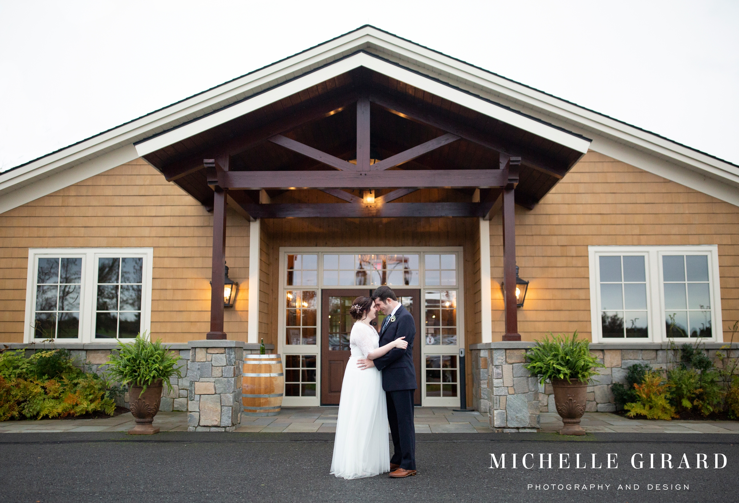 OweraVineyards_WineryWedding_CazenoviaNY_MichelleGirardPhotography010.jpg
