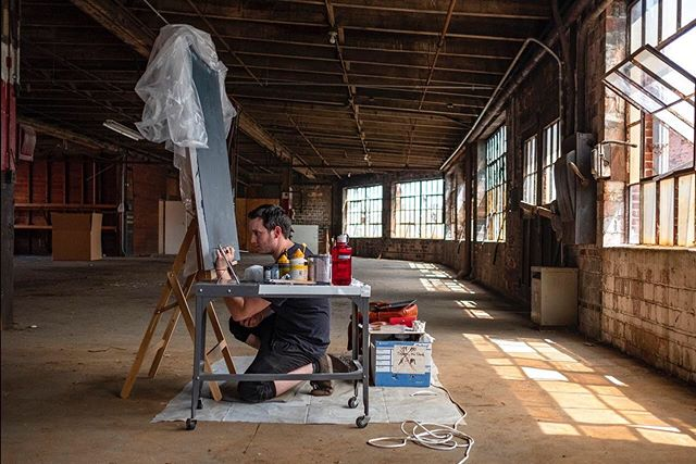 I'm excited to share that I've begun a limited residency in partnership with @mengesdesign and @thefort614 !! The space and the people are both so incredible and we'll be sharing the progress of a new piece I'm working on! Dylan @mengesdesign will be documenting, and he's to thank for this badass pic of me painting in the space!  More to come! 📹: @mengesdesign  #thefort #mengesdesign #art #fineart #illustration #contemporaryart #newcontemporary #residency #artresidency #painting #loft #columbus #columbusohio #614artists #614
