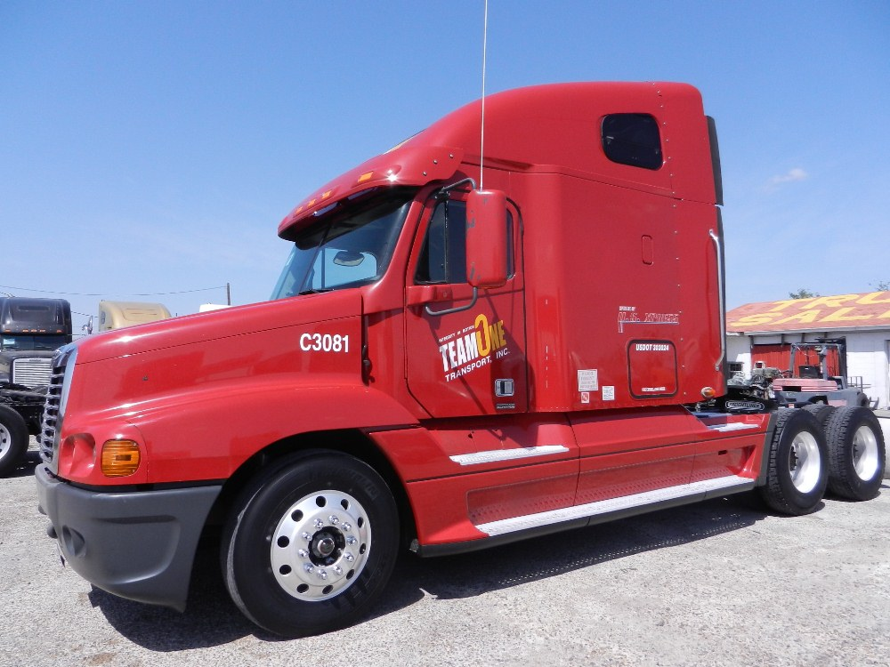 SOLD     2007 Freightliner Century Class CAT C15 475HP  10 speed, Jake Brakes, Double Bunk Sleeper, aluminum wheels, air ride. Retail RED