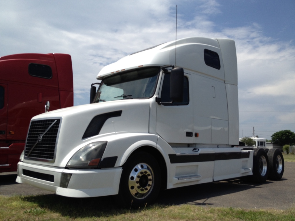 2006 Volvo VNL670    Cummins ISX 500hp, 13 speed