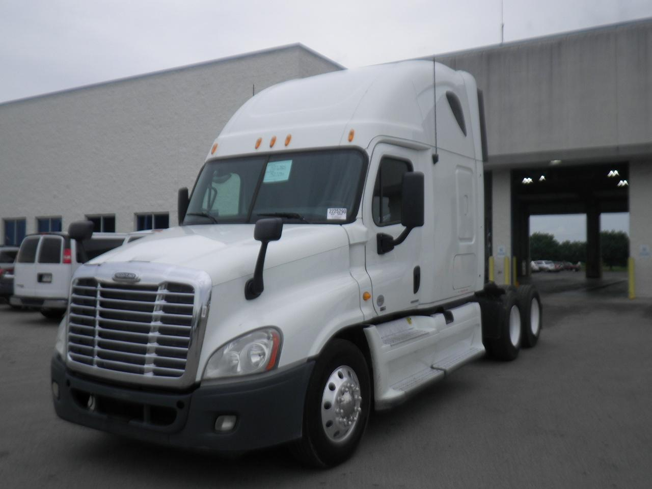 2012 Freightliner Cascadia - Detroit 455hp 10 speed 527k miles