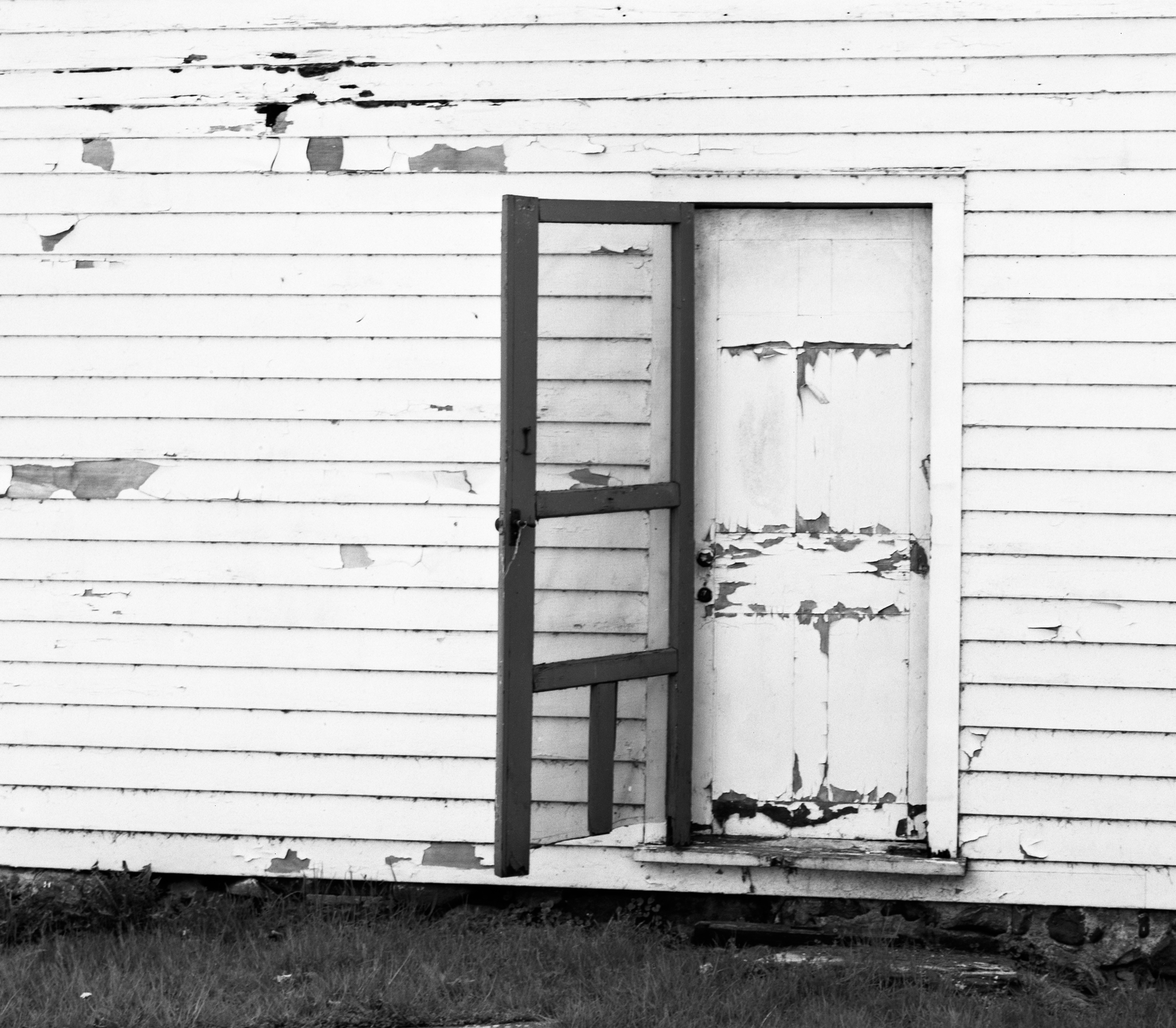4x5_for_365_project_0134_Millbrook_peeling_paint.png