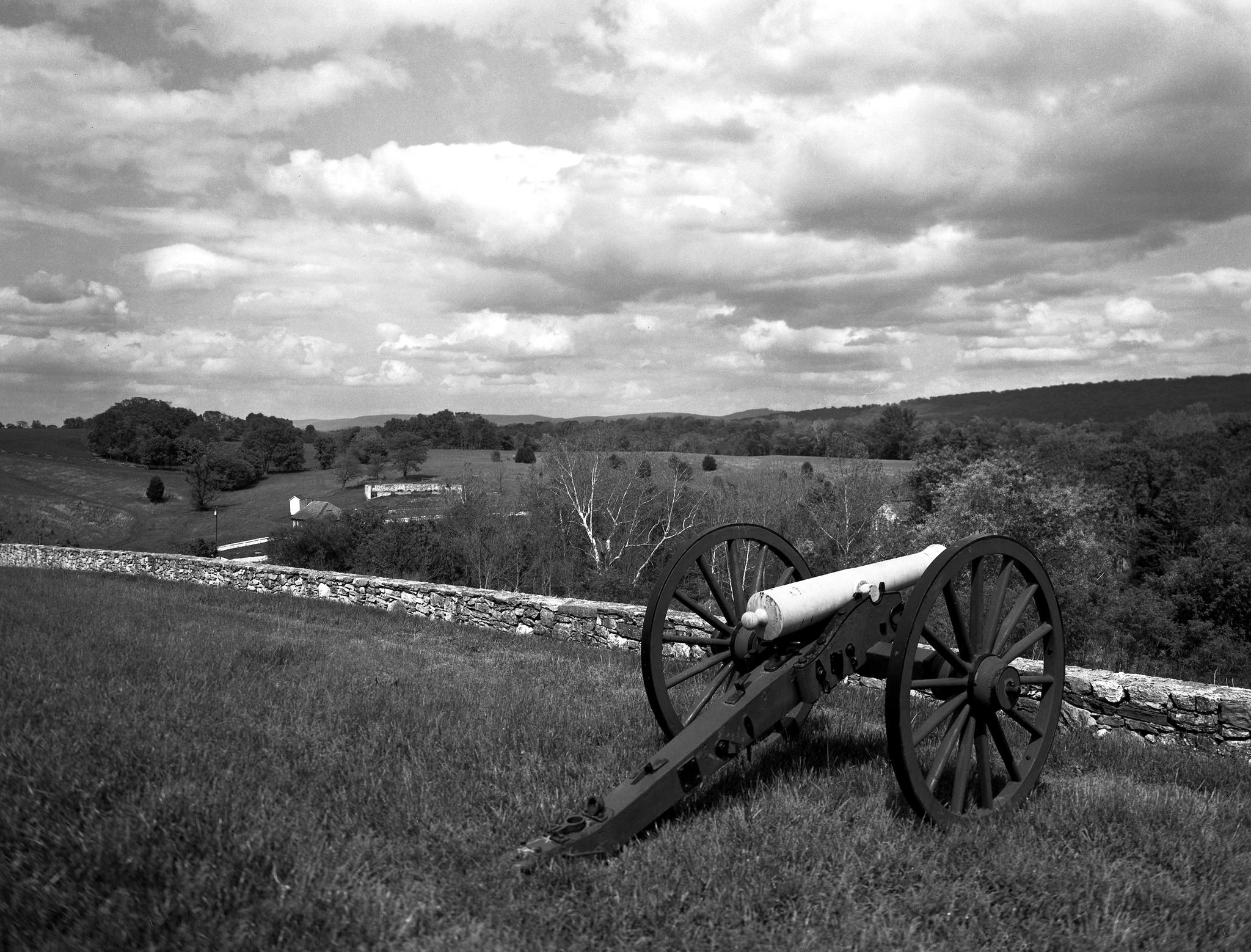 4x5_for_365_project_0138_Antietam_2014-05_17_bp_4x5_90mm_AristaEDU200_1200dpi_hilltop_canon.png