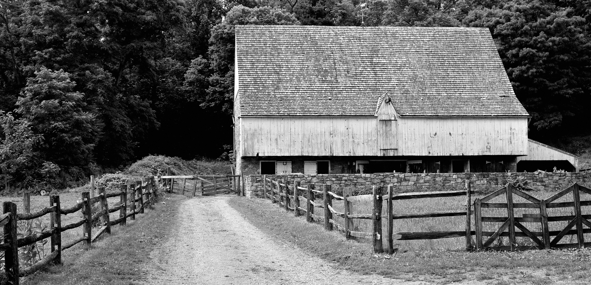 4x5_for_365_project_0169_Landis_Valley_federal_barn.jpg